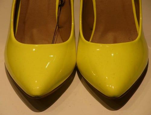 簡単!靴のお手入れ方法:①エナメル革